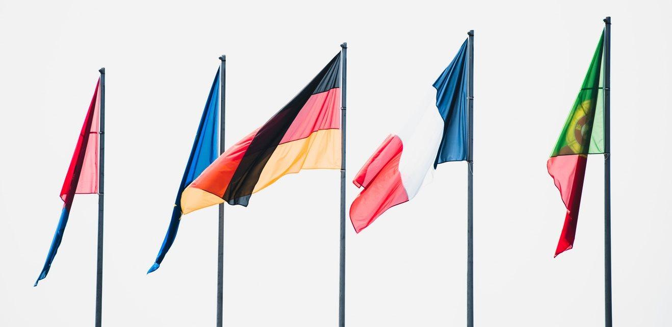 Symbolbild hreflang: 5 Flaggen